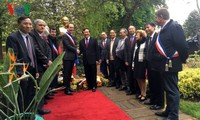 Kỷ niệm 127 năm ngày sinh Chủ tịch Hồ Chí Minh tại Pháp