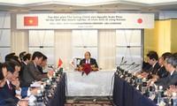 Thủ tướng Nguyễn Xuân Phúc làm việc với các doanh nghiệp vùng Kansai, Nhật Bản.