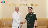 Bộ trưởng Bộ Quốc phòng Việt Nam tiếp Chủ tịch danh dự Quỹ hòa bình Sasakawa Nhật Bản