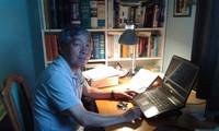 Dịch giả Giáp Văn Chung nhận giải Sách hay 2017 cho Bảo tàng ngây thơ