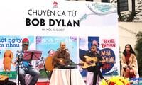 Sống động chuyện ca từ của huyền thoại Bob Dylan