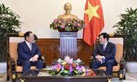 Phó Thủ tướng, Bộ trưởng Phạm Bình Minh tiếp Chủ tịch Tập đoàn Taekwang
