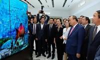Thủ tướng Nguyễn Xuân Phúc dự lễ khánh thành Nhà máy LG Display ở thành phố Hải Phòng