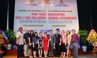 Những chuyên gia Hoa Kỳ giúp đỡ phát triển ngành tâm lý học đường Việt Nam