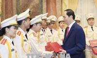 Chủ tịch nước Trần Đại Quang gặp mặt thanh niên Công an tiêu biểu năm 2017
