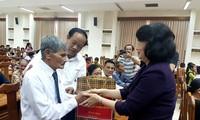 Phó Chủ tịch nước Đặng Thị Ngọc Thịnh thăm, tặng quà các gia đình chính sách tại Quảng Nam