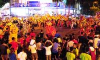 Đến phố cổ Hà Nội vui Tết Trung thu truyền thống