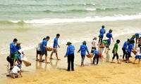 Việt Nam hưởng ứng Ngày Quốc tế làm sạch bãi biển