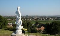 Mái chùa Việt  quảng bá văn hóa Việt cho người Hungary