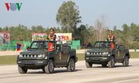 Mít tinh kỷ niệm 70 năm Ngày thành lập Quân đội nhân dân Lào