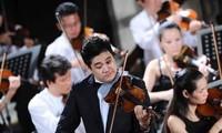Nghệ sĩ Bùi Công Duy mở màn mùa diễn 2019 của Dàn nhạc Giao hưởng Việt Nam