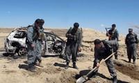 ตำรวจและชาวอัฟกานิสถานเสียชีวิตจากการโจมตีทางอากาศของนาโต้