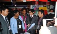 สถานประกอบการเวียดนามเข้าร่วมงานแสดงสินค้า SAITEX แอฟริกาใต้ปี 2015