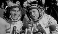 การพบปะสังสรรค์กับนักบินอวกาศเวียดนามและรัสเซีย