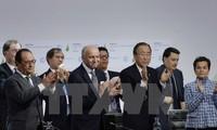 ที่ประชุม COP 21 อนุมัติข้อตกลงรับมือกับการเปลี่ยนแปลงของสภาพภูมิอากาศ