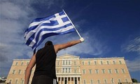 กรีซพยายามเจรจาเกี่ยวกับปัญหาหนี้สาธารณะกับบรรดาเจ้าหนี้ระหว่างประเทศ