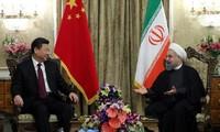 จีนและอิหร่านให้คำมั่นที่จะกระชับความร่วมมือในหลายด้าน