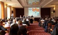 การสัมมนาเกี่ยวกับการประชุมสมัชชาใหญ่พรรคสมัยที่ 12 ที่ประเทศฝรั่งเศส