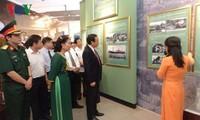 งานนิทรรศการภาพถ่ายเกี่ยวกับประธานโฮจิมินห์กับความสัมพันธ์มิตรภาพเวียดนาม-ฝรั่งเศส