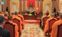 คณะผู้แทนชาวเวียดนามและคณะสงฆ์อนัมนิกายในประเทศไทยเยือนเวียดนาม