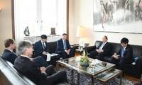 นายกรัฐมนตรี เหงวียนซวนฟุกพบปะกับนายกเทศมนตรีกรุงเบอร์ลิน