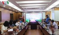 กระชับความร่วมมือระหว่างสถานีวิทยุเวียดนามกับนิตยสาร A-lun-may ของประเทศลาว