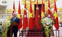 นาย บินาลิ ยิลดิริม นายกรัฐมนตรีตุรกีเชื่อมั่นในศักยภาพของความสัมพันธ์กับเวียดนาม