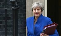 นายกรัฐมนตรีอังกฤษเยือนญี่ปุ่นเพื่อผลักดันการค้าเสรีเอฟทีเอหลัง Brexit