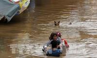 """จำนวนผู้เคราะห์ร้ายจากพายุโซนร้อน """"เทมบิน""""ในฟิลิปปินส์เพิ่มสูงขึ้น"""