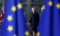 อังกฤษและอียูมีความขัดแย้งเกี่ยวกับสิทธิพลเมืองในระยะเปลี่ยนผ่าน