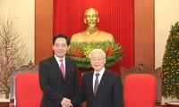 เลขาธิการใหญ่พรรคเหงวียนฟู้จ่องให้การต้อนรับเอกอัครราชทูตจีนประจำเวียดนาม