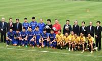 ประธานาธิบดีสาธารณรัฐเกาหลีพบปะสังสรรค์กับทีมฟุตบอลยู-23 ของเวียดนาม