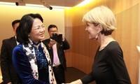 รองประธานประเทศดั่งถิหงอกถิ่งให้การต้อนรับรัฐมนตรีว่าการกระทรวงการต่างประเทศออสเตรเลีย