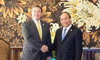 นายกรัฐมนตรีเหงวียนซวนฟุกให้การต้อนรับผู้บริหารองค์การระหว่างประเทศที่เข้าร่วมการประชุม GEF 6