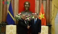 ประธานประเทศเจิ่นด่ายกวางให้การต้อนรับประธานาธิบดีประเทศนาอูรู