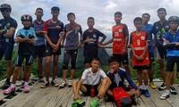 ทีมกู้ภัยพบเยาวชนทีมฟุตบอลหมูป่าและโค้ชที่ติดอยู่ในถ้ำหลวง