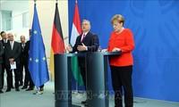 ปัญหาผู้อพยพ - ผู้นำเยอรมนีและฮังการีถกเถียงกันเรื่องการช่วยเหลือด้านมนุษยธรรมของอียู