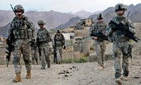 รัฐมนตรีว่าการกระทรวงกลาโหมสหรัฐเยือนประเทศอัฟกานิสถานโดยไม่แจ้งล่วงหน้า
