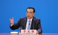 จีนมีท่าทีที่แข็งกร้าวต่อนโยบายคุ้มครองการค้าของสหรัฐ
