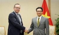 รองนายกรัฐมนตรีหวูดึ๊กดามให้การต้อนรับรัฐมนตรีเศรษฐกิจฟินแลนด์