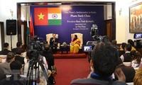 สถานทูตเวียดนามประจำอินเดียจัดการแถลงข่าวต่อสื่อมวลชนก่อนการเยือนเวียดนามของประธานาธิบดีอินเดีย