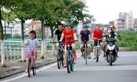 การปั่นจักรยานในช่วงวันหยุดสุดสัปดาห์-กระแสนิยมของคนรุ่นใหม่ในกรุงฮานอย