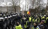 การชุมนุมประท้วงของกลุ่มเสื้อเหลืองในฝรั่งเศสบานปลายไปยังอังกฤษ