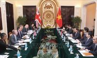 การประชุมทาบทามความคิดเห็นทางการเมืองเวียดนาม-อังกฤษ