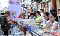 เทศกาลถนนหนังสือตรุษเต๊ตปีกุน 2019 แนะนำหนังสือเกือบ 1 แสนเรื่อง