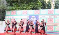 กิจกรรมฉลองเทศกาลตรุษเต๊ตของชนเผ่าม้ง – การแลกเปลี่ยนวัฒนธรรมและเชื่อมโยงระหว่างนักศึกษาชาวม้งในกรุงฮานอย