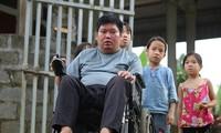 ครูพิการบุ่ยวันบิ่งกับห้องเรียนฟรีสำหรับเด็กที่มีฐานะยากจน