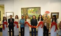 """งานนิทรรศการ """"แสงจากเงา""""-ความงามของเวียดนามจากมุมมองจิตรกรไทย"""
