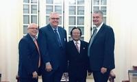 กระชับความสัมพันธ์และการพบปะสังสรรคระดับประชาชนระหว่างเวียดนามกับสหรัฐ