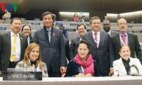 ประธานสภาแห่งชาติเหงวียนถิกิมเงินเดินทางไปเข้าร่วมการประชุม IPU-140 ณ กรุงโดฮา ประเทศกาตาร์